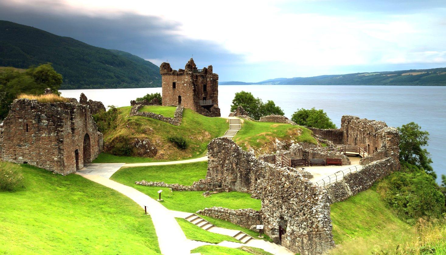 Château d'Urquhart (rives du Loch Ness)